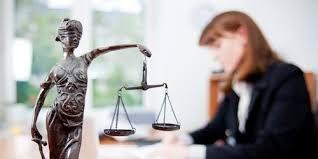 À l'aise aussi bien avec la bureautique qu'avec le vocabulaire juridique, le secrétaire juridique à la double compétence assiste les avocats-students.ma